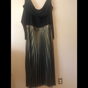 Price Drop. Kay Unger gown 24W